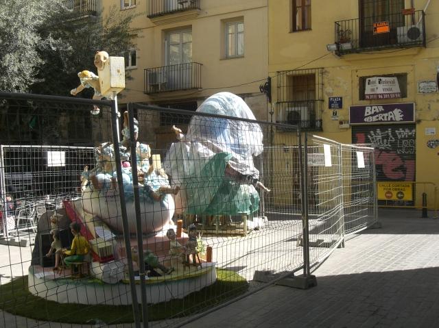 Montando la falla de la plaza del arbol 2013