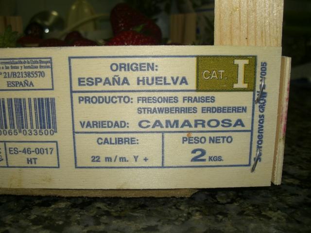 Etiqueta de la caja de fresones: variedad Camarosa.