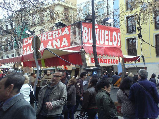 Puesto de churros y buñuelos plaza del mercat