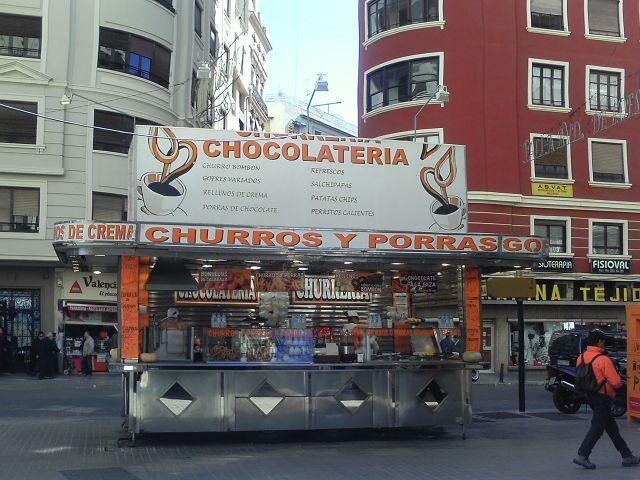 Puesto de Churros y Buñuelos en la Avendida de Barón de carcer, 36 de Valencia en Fallas 2013.