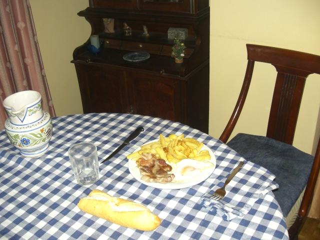 plato en la mesa