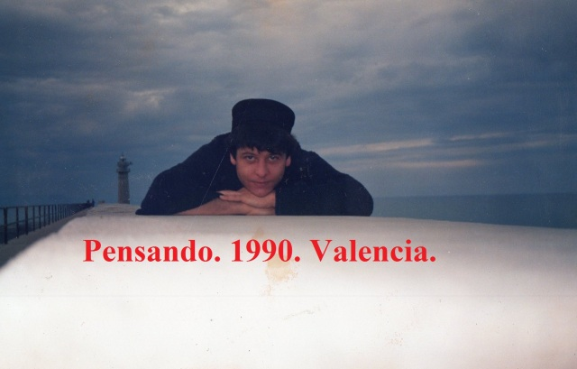 enrique-fornes-angeles-pensando-1990
