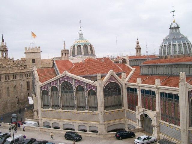 Valencia, desde la plaza Ciudad de Brujas.