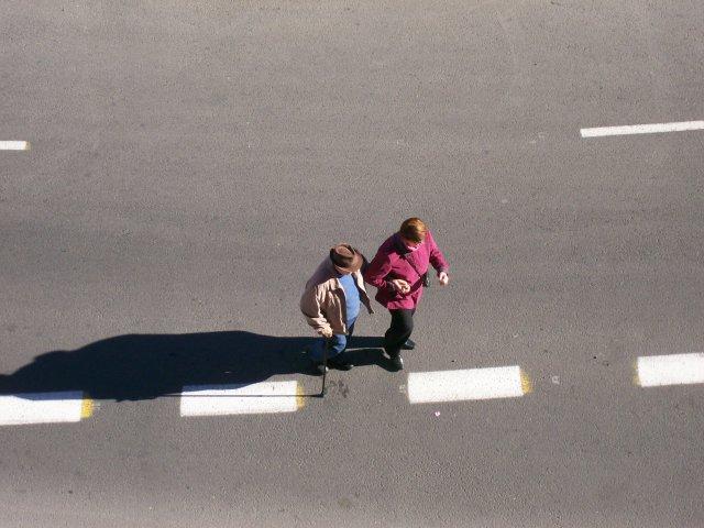 Ancianos paseando en Valencia 7 de diciembre 2014