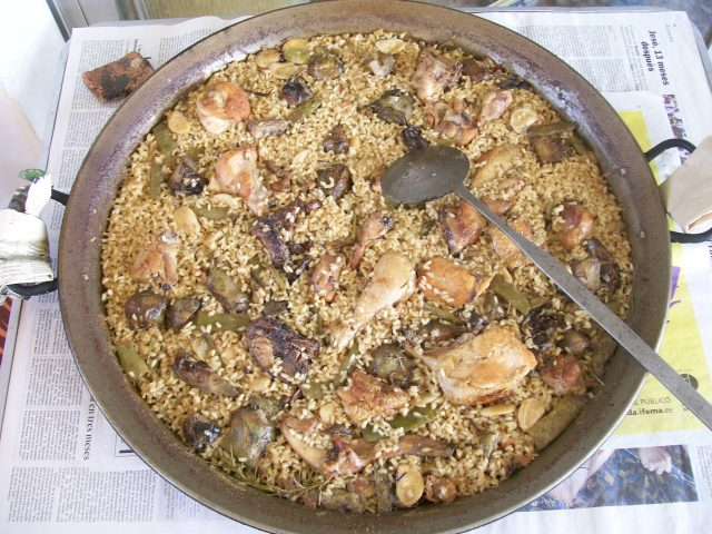 Paella valenciana a leña (1 kg de arroz)