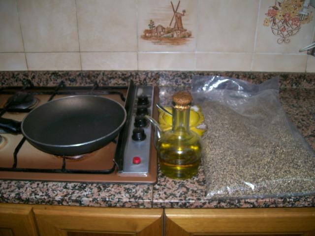 Sarten, aceite, sal y cañamones